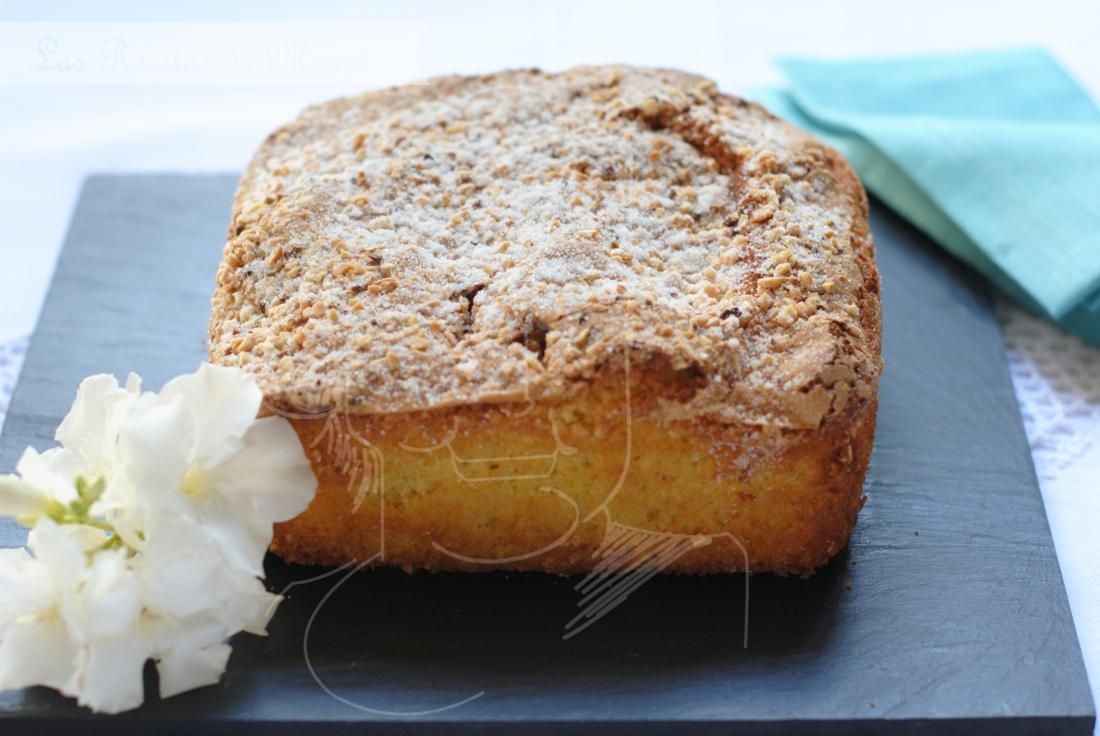 Bizcocho crocante de almendras las recetas de mam for Bizcocho de yogur y almendra