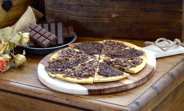 Pizza dulce de chocolate. Video receta
