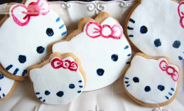 Galletas de Hello Kitty decoradas con fondant
