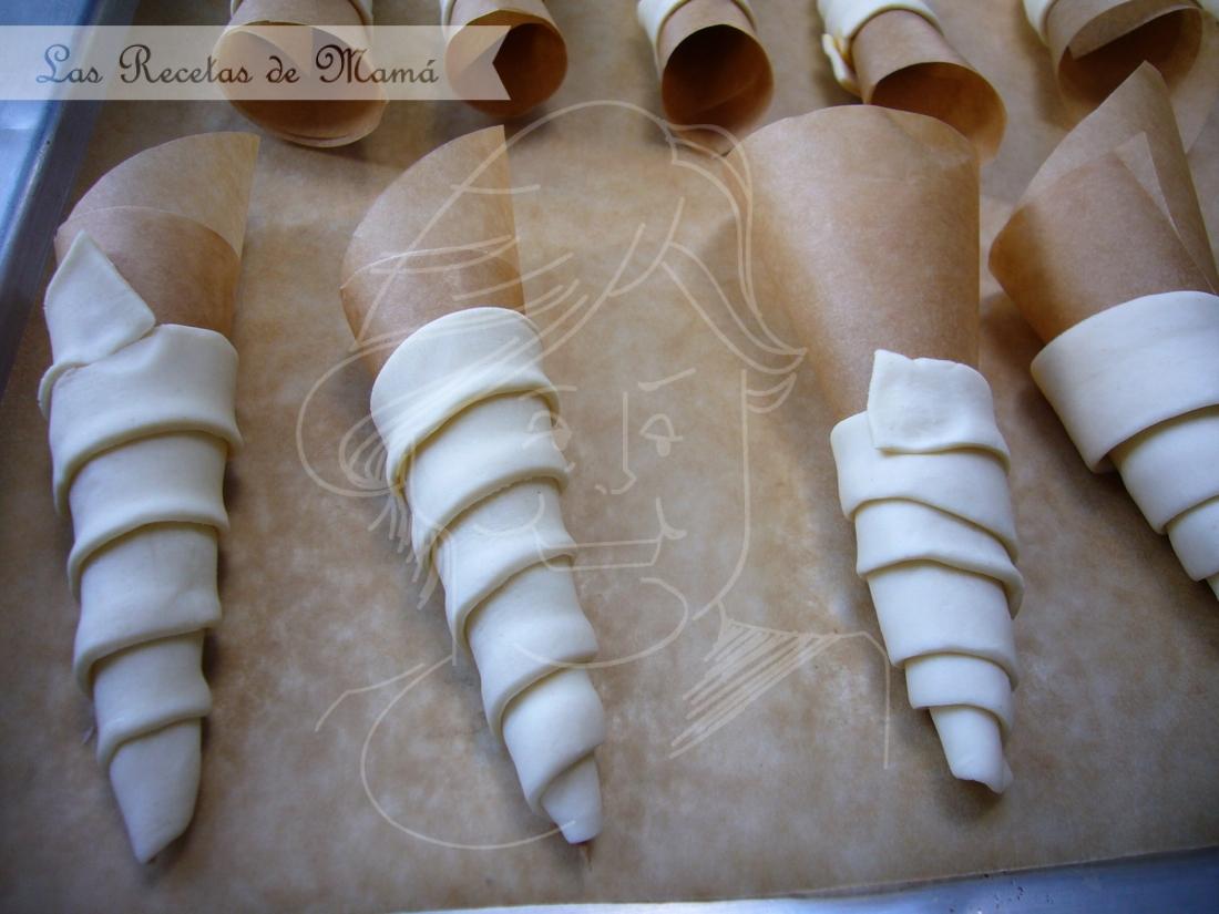 Canutillos de hojaldre rellenos crema