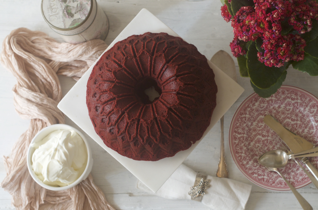 Red Velvet Bundt Cake. Video receta
